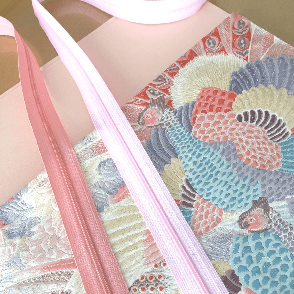 帯をリメイクしたインナーバッグの製作風景 - 鳳凰文様の帯